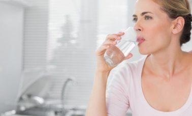 Banyak minum air putih menghindarkan kegemukan