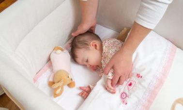 Cara menidurkan bayi dengan mudah
