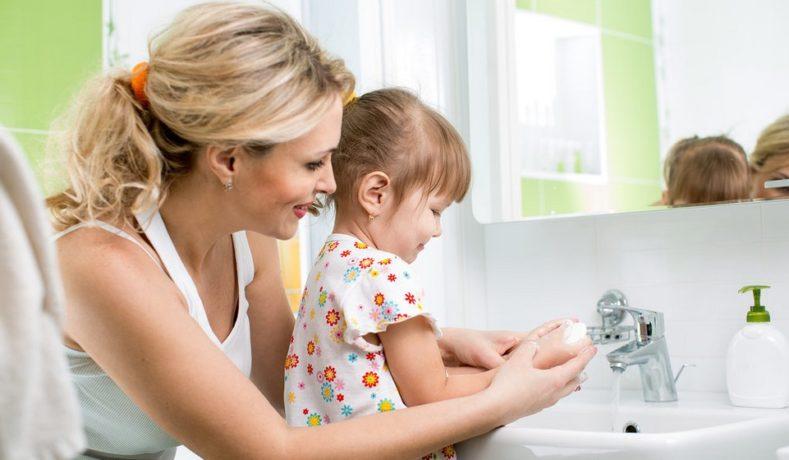 Tips Ampuh Mengasuh Anak Agar Tidak Manja