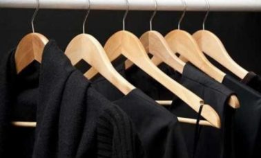 Tips mencuci baju hitam
