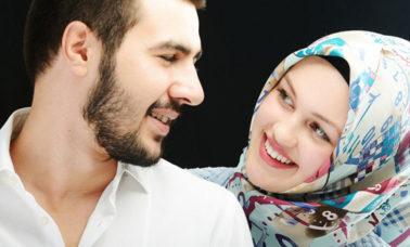 Berkomunikasi yang baik dengan suami