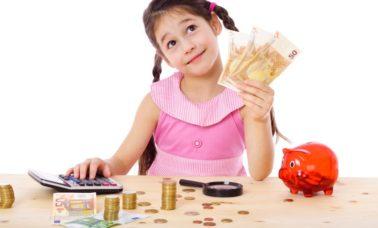 Mengajarkan anak keuangan sejak dini