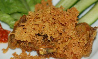 Ayam goreng kremes yang renyah