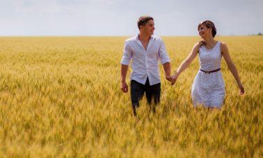 Bahagia bersama pasangan