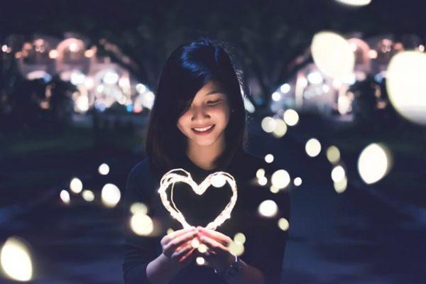 3 Zodiak Yang Mudah Membuat Orang Jatuh Cinta