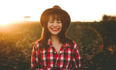 Manfaat sehat dengan tertawa