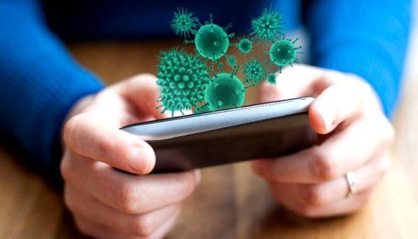 Cara Mudah Membersihkan Smartphone Tanpa Takut Rusak