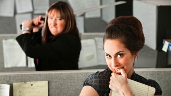 4 Tipe Rekan Kerja Yang Menyusahkan