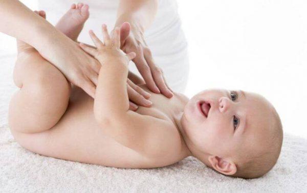 Pijatan Lembut Dari Ibu Bermanfaat Besar Untuk Si Kecil
